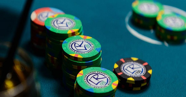 IDN Poker - Strategi Bermain Let It Ride